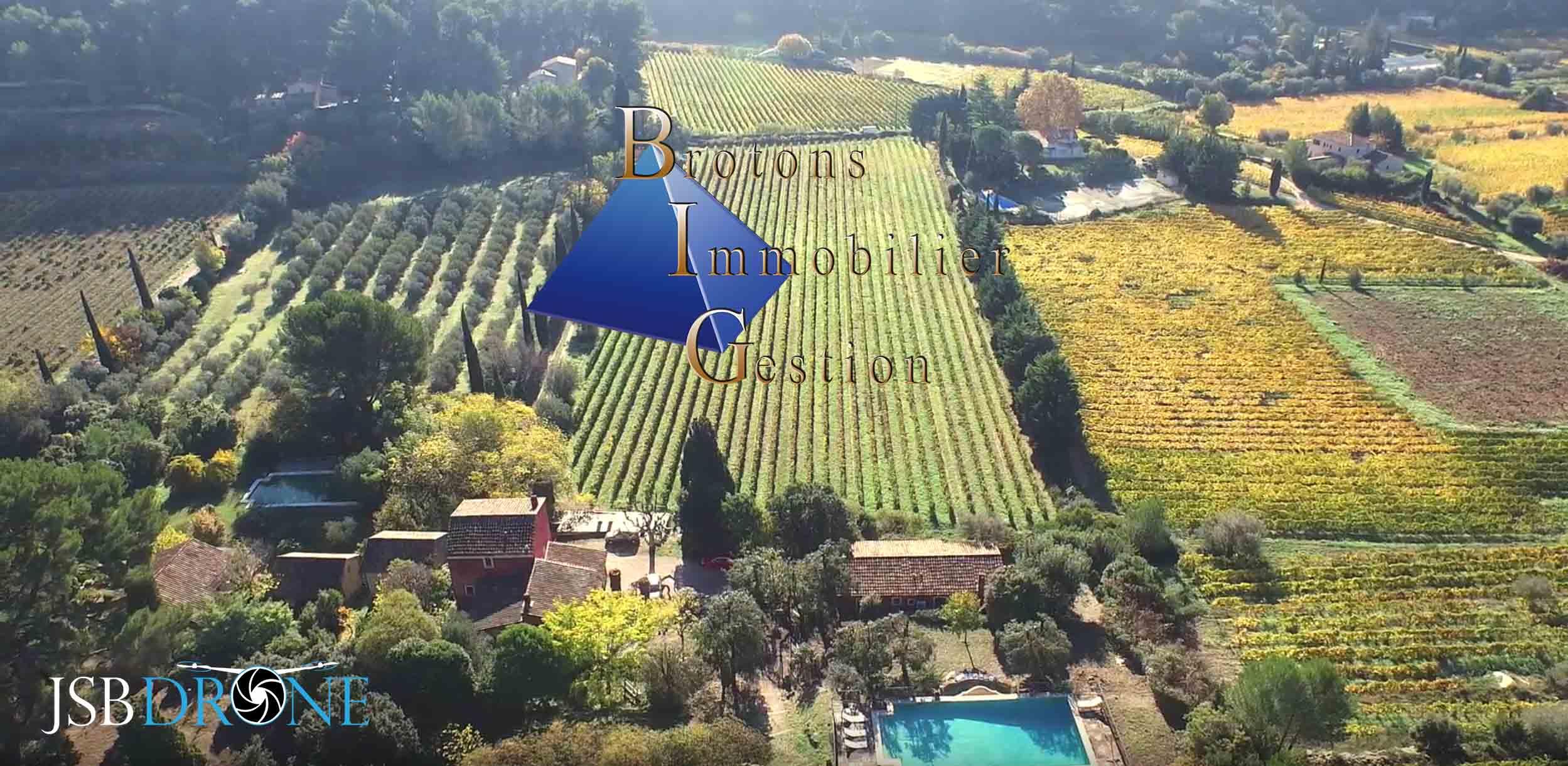 Domaine à Cassis vue en drone aérienne